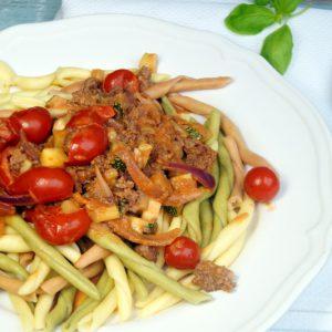 Fileja all ragu con Zucchini e pomodorini