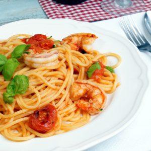 Spaghetti alla chitarra con gemberoni e pomodorini