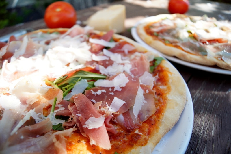 pizza rucola e prosciutto crudo