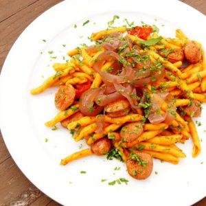 Maccheroncini Salsiccia e cipolle borettane