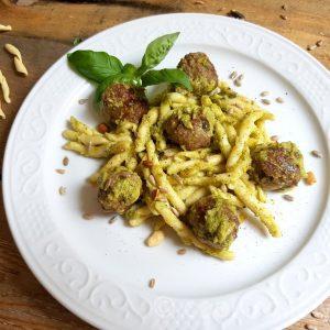 polpette al pesto di zucchini - Fleischbällchen in Zucchinipesto