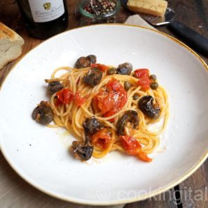 Spaghettoni Pomodoro mit Schnecken